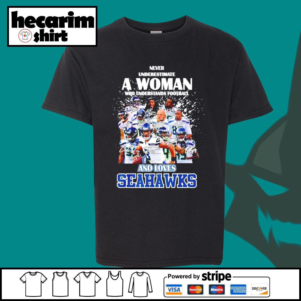 Never underestimate a woman who understands football and loves Seattle Seahawks s Kid-T-shirt